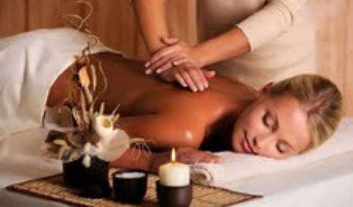 Lomi Hawaiian therapeutic massage image
