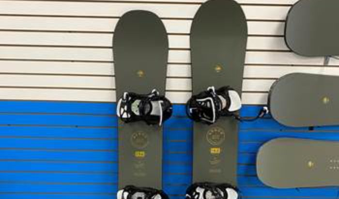 Snowboard article image