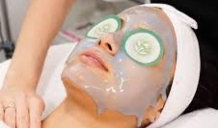 Deluxe 1-hour Facial with facial massage image