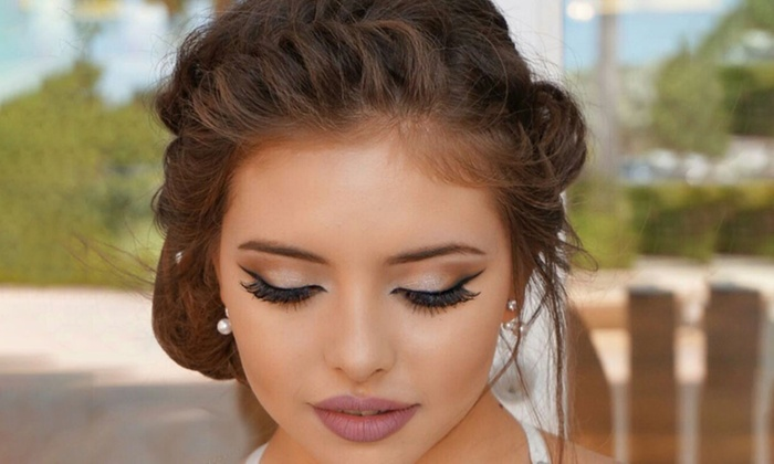 Divine Lashes And More Logo