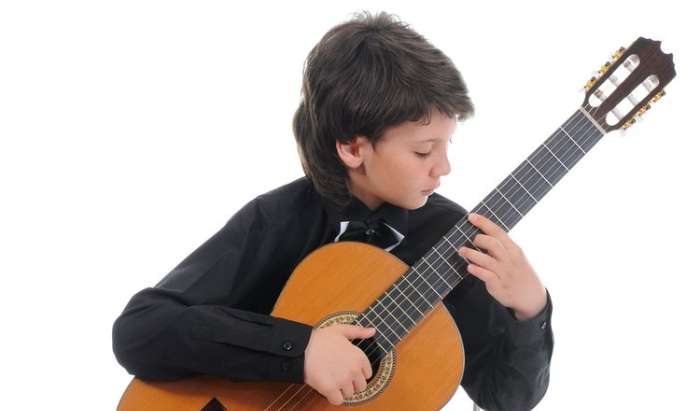 Classical Guitar Lessons in Westlake article image
