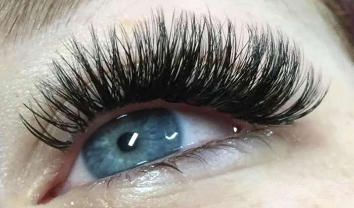 Best Volume Eyelashes Extensions in San Francisco article image