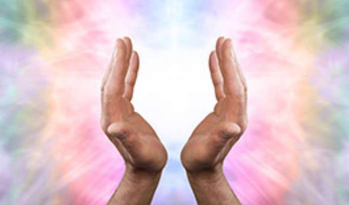 Reiki Training Classes article image